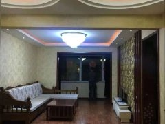 五星北路新大地花园 97平3室小高层 精装3室家电齐全