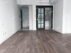 心海城,四房*出租,是开发商交楼标准放租