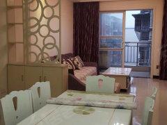万泰翡翠城2室2厅1卫 1200每月 家具家电齐全