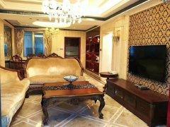 盛天华府 9000元 4室2厅2卫 豪华装修,超值家具家电齐