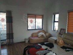 杨家滩小区顶加阁3室精装带家具家电拎包入住2500/月,年付