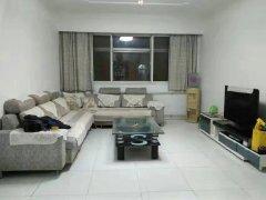 市医院家属楼,通透大三居,家具家电齐全,干净1000/yue
