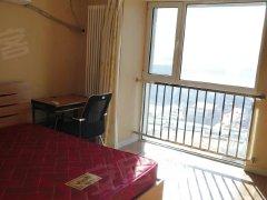 万达公寓 豪华装修 温馨室内 交通便利临近轻轨 适合情侣居住