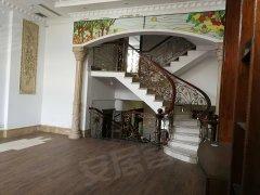 翠湖庄园别墅 前后花园 带地下室 适合办公会所 使用面积大
