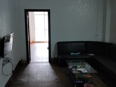江南美食街家炳医院旁月租700元,一房一厅精装修带家私家电