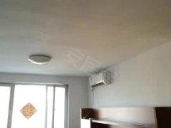 鸿悦国际交通局旁佳和小区电梯房1300一个月精装两室