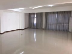 蓝湾国际3室2厅大平层简单装修中层可做办公用
