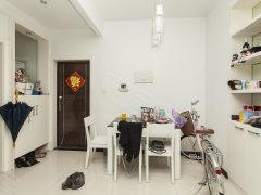 乾泰公寓 中间楼层 精装三房 环境舒适 业主直租
