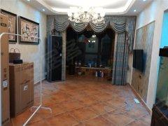 盛润锦绣城,正规三房,自住婚房装修,首  次出租,随时看房。