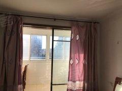 东方花园5楼120平3室精装修出租家具家电齐全