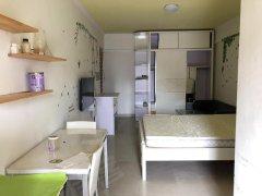 翠馨居精装修一房,看房随时看房,30米地铁口
