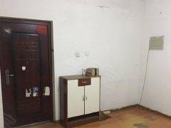 出租御龙庭2居室家具家电齐全包物业取暖拎包入住!