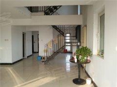 洋房上叠,一共三层,使用面积小300平,可做工作室,使用