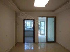渠县东大桥头,江东善月楼电梯三房出租,房屋干净整洁便宜出租。