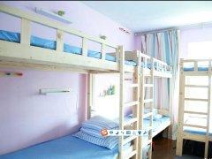 地铁口公寓床.位,房.东直租包水电网,可短租