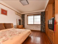财富广场1室-1厅-1卫整租