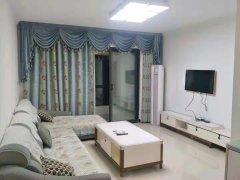 锦艺城三室两厅精装修洋房,家电家具齐全,拎包入住。