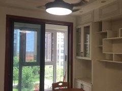 九龙湖绿地国际博览城,大3房送车位,住家全新装修,主卧带阳台