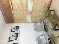 东方天城 豪华单身公寓出租1300每月 家私电器全齐
