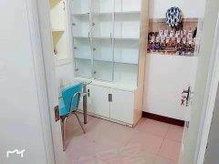 三户合租 3楼精装修 房间干净 可做饭  地段繁华