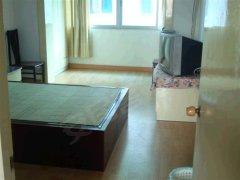 顺泰公寓 中间楼层 精装三房 环境舒适 业主直租