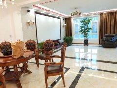 玫瑰谷3层豪华别墅可短租,拎包入住,家具家电齐全,看房方便