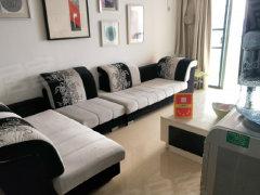 沙井地铁口精装两房家私电器全新全齐,房子干净漂亮视野好。