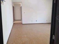 万浩吉祥,简装三室两厅两卫,超大客厅,办公居住都可。