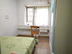 友谊路地铁口 精装大两房 客厅带阳台 半年起租 2000月