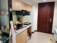 逸林公寓秒杀租盘,环境舒适,周边配套齐全,仅租1700包物管