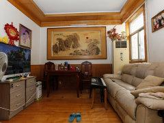 温馨舒适 精装卧室 集体供暖 康泰园