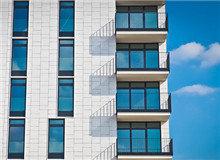 平层错层跃层复式Loft到底有何区别?同等资金,购买哪种划算 2018年05月21日 15:06  很多购房者在买房时都会听销售人员讲平层、错层、跃层、复式、Loft的住宅项目类型,那么这五种类型的住