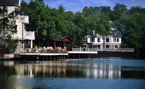 钓鱼、健身、沿河慢跑……这座公园把生活放进了大自然里